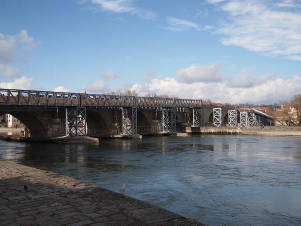 Regensburg Stone Bridge Update 2014-02-22