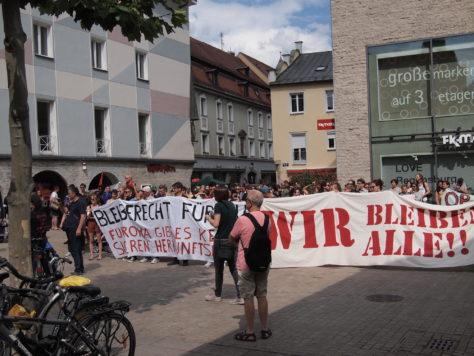 Protest am Sankt Kassiansplatz